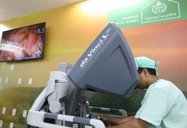 Hospital Santa Izabel realiza primeira cirurgia robótica em paciente pediátrico na Bahia