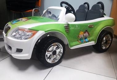 Humanização: Carro elétrico infantil diverte garotada no Hospital Santa Izabel