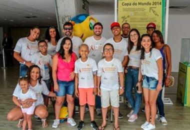 Setembro Dourado: crianças e jovens com câncer assistiram Bahia x Palmeiras na Arena Fonte Nova