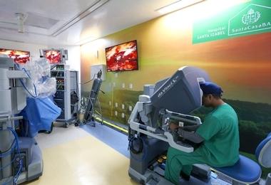 Hospital Santa Izabel comemora 2 anos do programa de cirurgia robótica